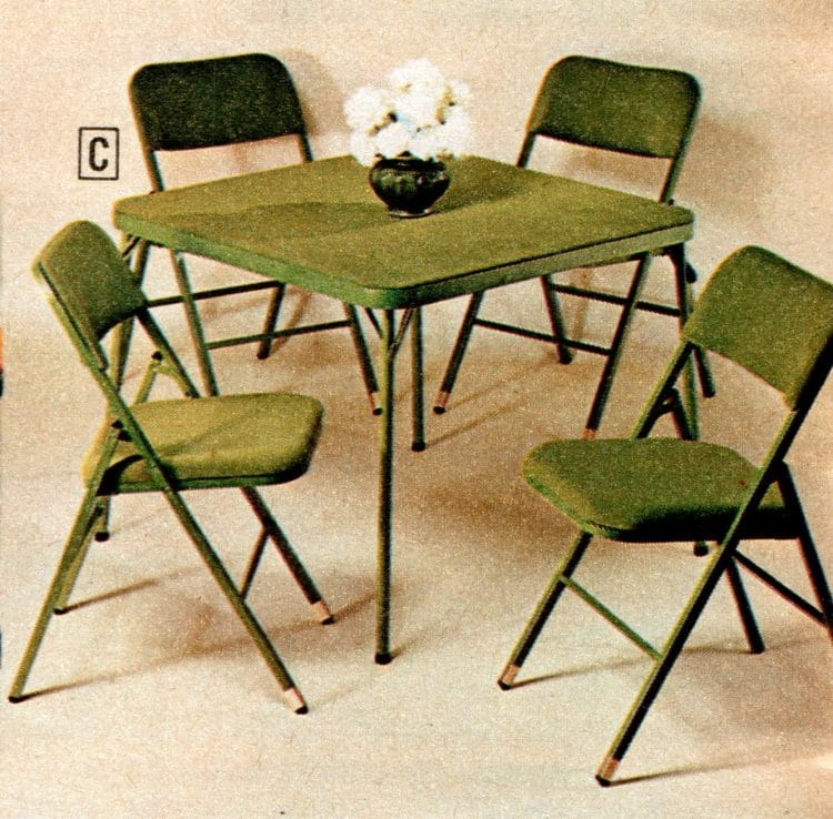 70s_interior_design_vinyl_tables